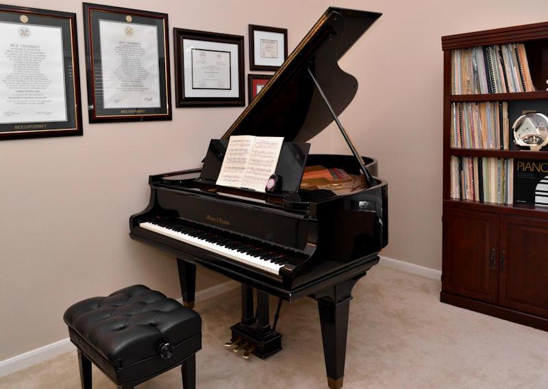 The studio sugar land piano studio for Piano di studio